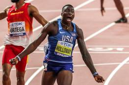 العداء الأمريكي هولواي يحطم رقما قياسيا في سباق 60 مترا حواجز (فيديو)