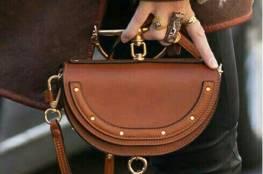 لعشاق حقائب اليد .. تعرفي على موضتها هذا الشتاء