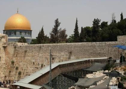 """الاحتلال يبعد مقدسيين عن """"الأقصى"""" لمدة 6 أشهر"""
