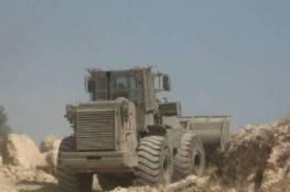قوات الاحتلال تجرف اراضي وتقتلع عشرات الاشجار في الولجة