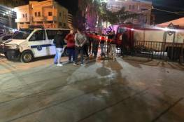 صور.. شاب يضرم النار بنفسه أمام محافظة جنين