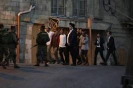 إصابة مواطن في اعتداء للمستوطنين بتل الرميدة وسط الخليل