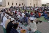 الاوقاف المصرية تقرر اغلاق المساجد وتعليق كافة الأنشطة الجماعية طيلة شهر رمضان