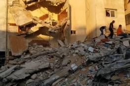 مشاهد للدمار الذي لحق بالمنازل والشوارع في غزة جراء غارات الاحتلال الليلة