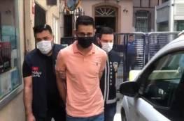 السلطات التركية تعتقل فلسطينيا لإهانته الليرة التركية..فيديو