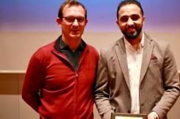 صيدم يهنئ الدكتور السر لحصوله على جائزة أفضل دكتوراة في تركيا