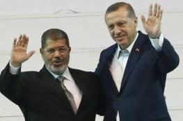 """اردوغان يشيد بـ""""الشهيد"""" محمد مرسي إثر وفاته"""