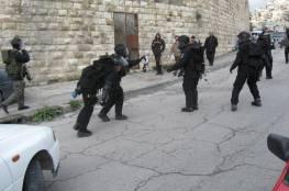 الاحتلال يقتحم قرى غرب جنين ويستجوب المارة