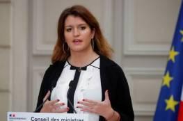 وزيرة فرنسية: لا أتحمل رؤية فتاة صغيرة محجبة ..فيديو