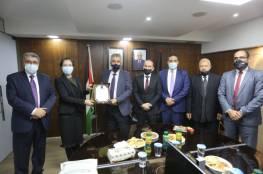 الصالح يثني على جهود سفيرة مملكة الدنمارك لدى فلسطين ودعمها لقطاع الحكم المحلي