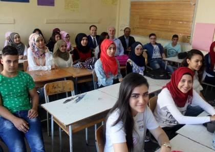 قرار بفصل الطلاب الفلسطينيين من المدارس الرسمية بلبنان والوزير يعلق