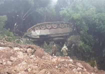انقلاب دبابة إسرائيلية قرب حدود لبنان