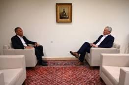 غانتس لملادينوف: تحسين واقع غزة مرتبط بإعادة الإسرائيليين ووقف الأعمال العنيفة