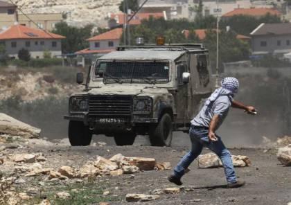 إصابات بالاختناق جراء قمع الاحتلال مسيرة نعلين الأسبوعية