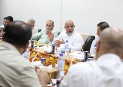 الصحة والداخلية بغزة تعقدان اجتماعاً تقييمياً لواقع استقبال العالقين بمعبر رفح