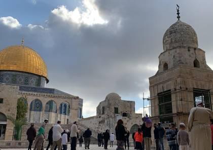 67 مستوطنا يقتحمون ساحات المسجد الاقصى