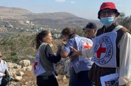 """""""إرهاب يهودي"""": مستوطنون يهاجمون طاقم للصليب الأحمر قرب نابلس"""