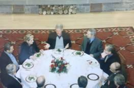 """تعود للعام 2000... صحفي اسرائيلي ينشر صورا نادرة لمباحثات السلام """"الفاشلة"""" مع سوريا"""
