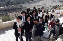 مستوطنون بقيادة المتطرف يهودا غليك يقتحمون رباط الكرد بالقدس