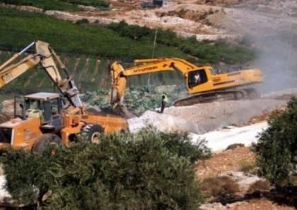 الاحتلال يهدم ثلاثة منازل قيد الإنشاء شرق الخليل