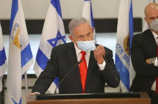أديب إسرائيلي: نعيش في دولة منقسمة وخاسرة يقودها فاسد فاشل