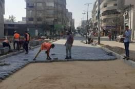 بلدية غزة تشرع بإجراء صيانة مؤقتة للشوارع المتضررة من العدوان (صور)