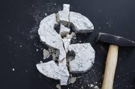 أكبر شركة نفط روسية تتخلى عن الدولار في تعاملاتها
