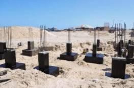 استمرار العمل بمشروع إنشاء متنزه العائلة على شاطئ بحر خانيونس