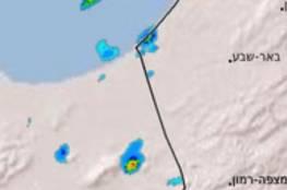 عاصفة ساخرة لرواية الجيش الاسرائيلي بشأن صواريخ غزة: هل تم إطلاع البرق للتصرف بشكل لائق!