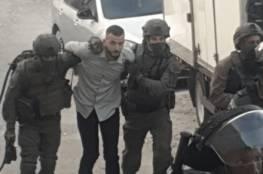 قوات الاحتلال تعتقل اسيراً محرراً خلال حفل خطبته في العيسوية..صورة