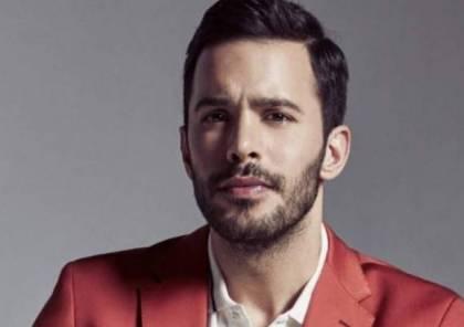 """الممثل التركي """"باريش"""" يتسلّم جائزة أفضل ممثل عالمي بلبنان"""