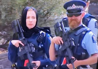 الآلاف يقفون دقيقة صمت تضامنا مع ضحايا المسجدين في نيوزيلندا (صور+فيديو)