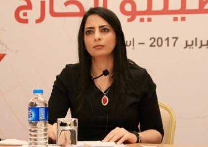 الاحتلال يمنع الصحفية مجدولين حسونة من السفر
