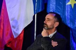 """رئيس بلدية فرنسية يثير سخطاً بـ """"الجزائريات كنّ مثيرات للغريزة واليوم أصبحن محجّبات"""" (فيديو)"""