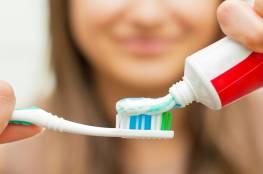 دراسة تحذر: فرشاة أسنانك أخطر من مقعد المرحاض