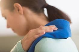 تجمد الكتف.. الأسباب والأعراض
