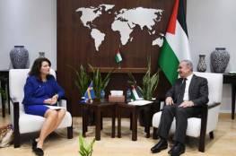 """منصة """"تيقن"""" توضح: ما حقيقة تصريحات وزيرة خارجية السويد عن الفساد في فلسطين؟"""