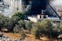 صاحبه يتهم الدفاع المدني بالقصور: حريق كبير في مستودع للأجهزة الكهربائية بالخليل