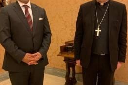 السفير قسيسيّة يلتقي وزير خارجيّة الفاتيكان