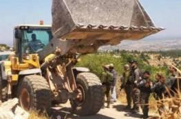 الاحتلال يعتقل مواطنًا في الجفتلك ويصادر جرافته