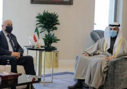 الرجوب يبحث آخر المستجدات الفلسطينية مع الغانم في الكويت