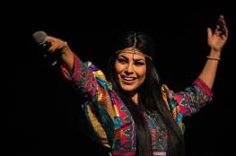 """قصة هروب أشهر مغنية أفغانية بعد سيطرة """"طالبان"""""""