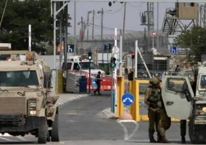 الاحتلال يغلق حاجز قلنديا في كلا الاتجاهين