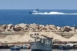 """تعرف على زورق """"سيجال"""" الذي اقترب من ميناء غزة اليوم.."""