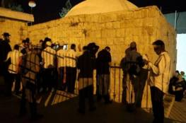"""فيديو.. تفجير عبوة ناسفة بمحيط """"قبر يوسف"""" في نابلس"""