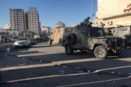 إصابات.. الاحتلال يقتحم مخيم قلنديا واندلاع مواجهات