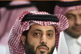 """تركي آل الشيخ يثير تفاعلا واسعا بعد """"رد تاريخي"""" من السيسي على صحفي حاول إحراجه"""
