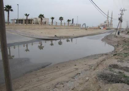 """سلطات الاحتلال توقف ضخ المياه الجوفية من محيط حدود غزة بسبب """"تلوثها"""" بنسبة عالية"""