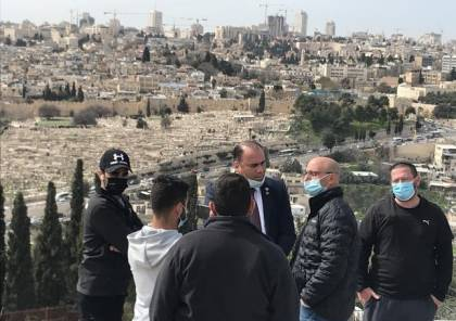 مخابرات الاحتلال تحتجز رئيس مؤسسة سيدة الارض وتفرجه عنه بعد ساعات