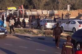 صور: طعن شرطي على حاجز امني وإصابة المهاجم وسط قطاع غزة